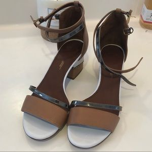 Maiyet tan and white sandals